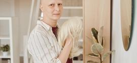 Być kobiecą, mając raka. Damskie peruki medyczne